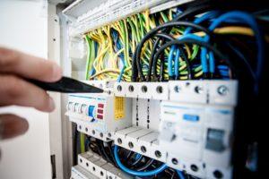ремонт на електрически инсталации във вход